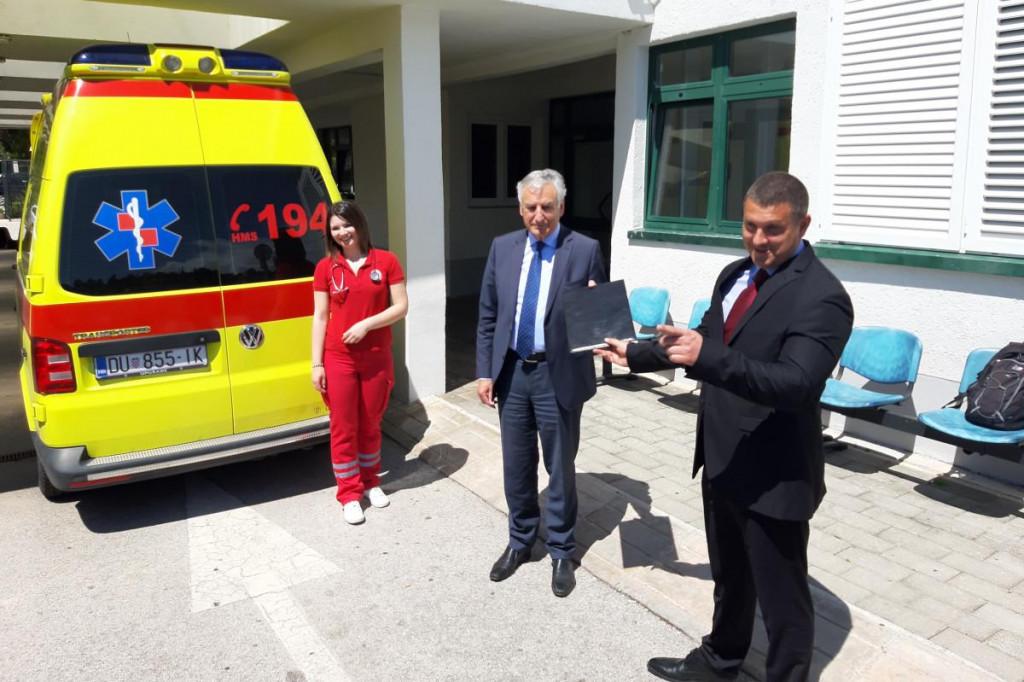 Županija dodijelila Zavodu za hitnu medicinu 425 tisuća kuna za novo vozilo