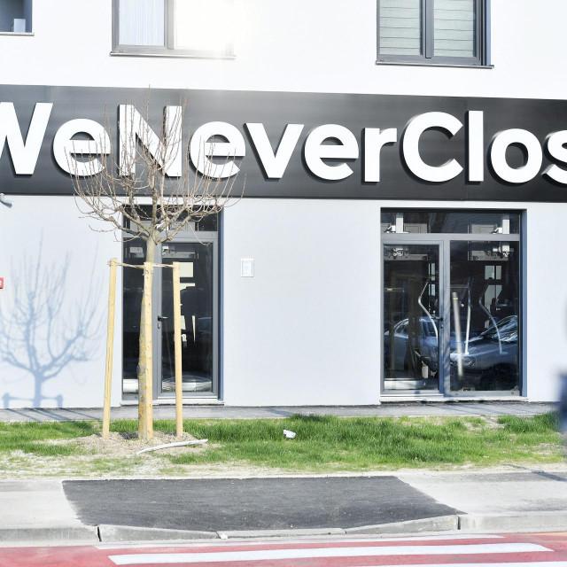 Natpisu 'Nikad ne zatvaramo' na zagrebačkoj teretani Gyms4you još uvijek proturiječi stvarna situacija