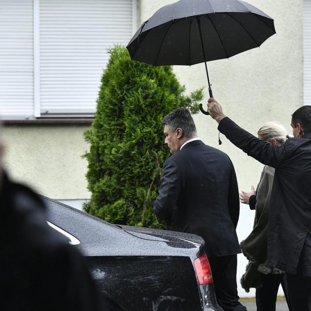 Predsjednik Milanović napustio je obilježavanje zbog kršenja protokola pojavom natpisa Za dom spremni