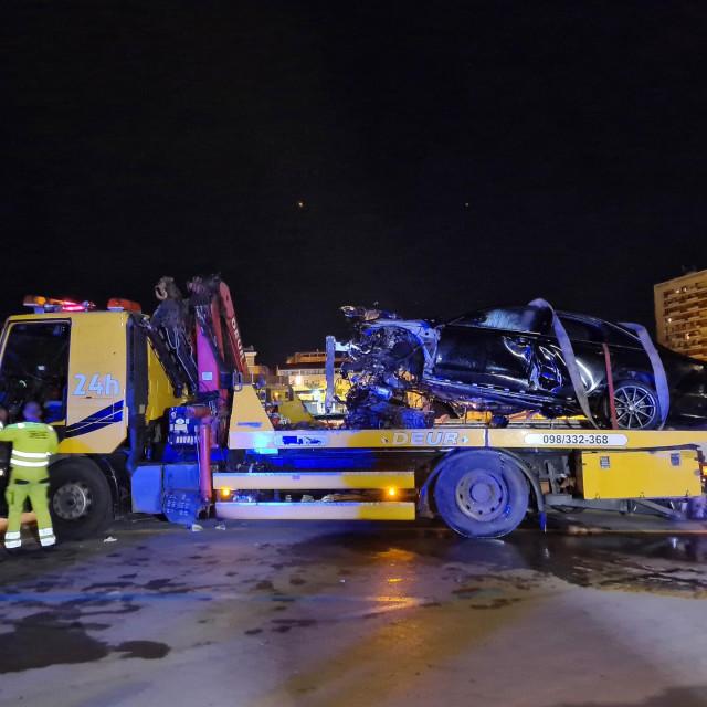 U teškoj prometnoj nesreći poginuo jedan maloljetnik i jedan mlađi punoljetnik