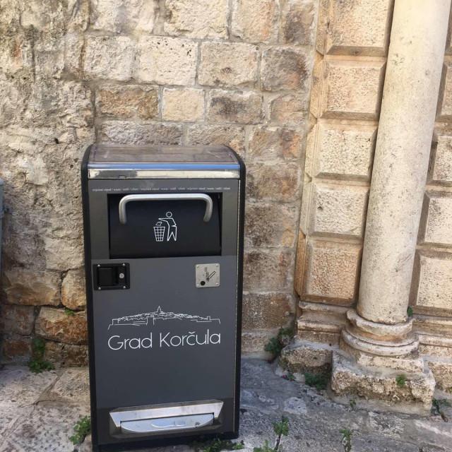 Nove kante za smeće na Korčuli
