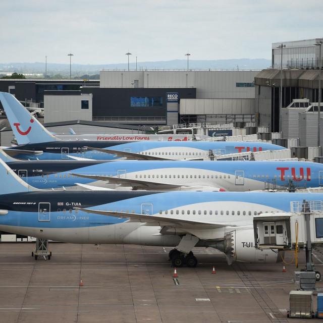 Zrakoplovi Ryanaira su prizmeljeni, a njihovi nesuđeni putnici uzalud čekaju povrat novca za otkazane letove