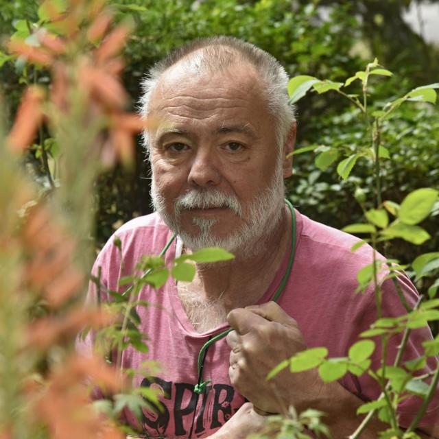 Slobodan Brkljača u rajskom vrtu svog stana u splitskoj Vinkovačkoj ulici