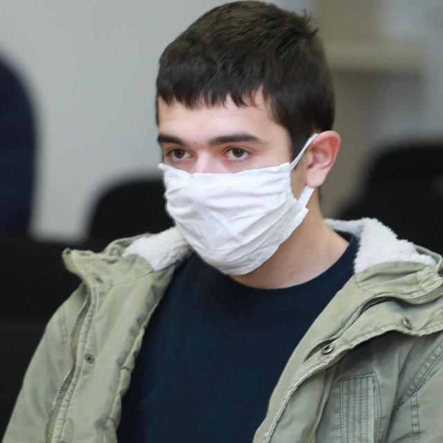 23-godišnj<strong>i </strong>Branislav Smiljanić na pješačkom prijelazu je nanio pregazio Aleksandra Bogdanovića, a potom je otišao s mjesta nesreće i nije mu pružio pomoć