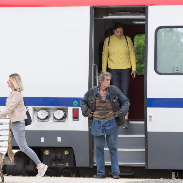 Nekoliko putnika stiglo je vlakom iz Perkovića