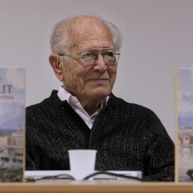 Duško Kečkemet na promociji svoje knjige 'Od kantuna do kantuna'