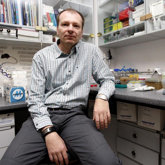 """Dr. sc. Oliver Vugrek,voditelja Laboratorija za naprednu genomiku na Institutu """"Ruđer Bošković"""""""