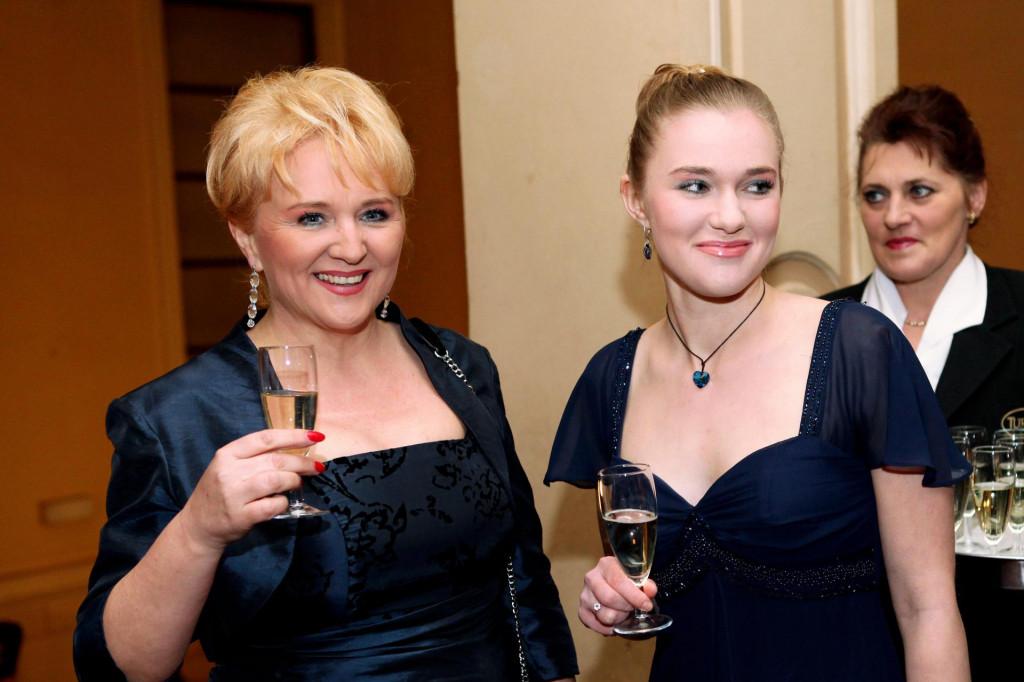 Lidija Horvat Dunjko (s kćeri Antonijom, također sopranisticom) priznaje da joj je Eurosong bio najbolja reklama u karijeri