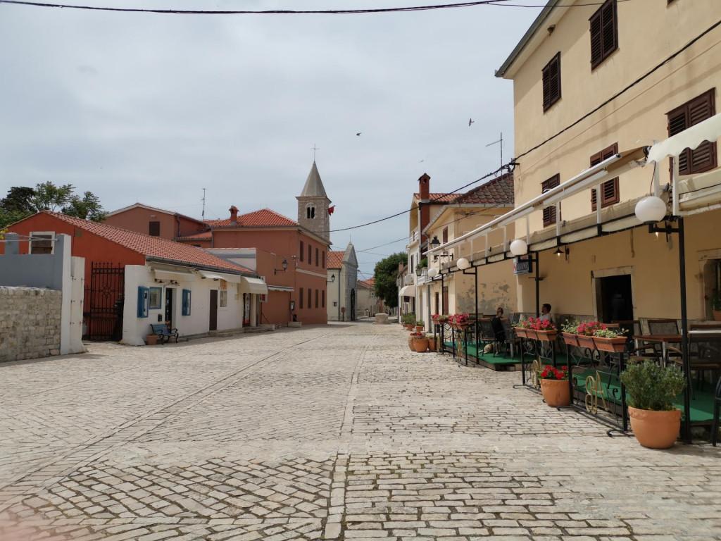 Puste su ulice grada Nina, rijetko viđen prizor sredinom svibnja