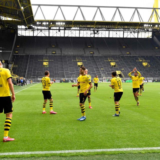 """Igrači Borussije Dortmund slave pogodak """"na daljinu"""""""