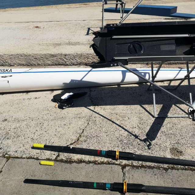 Na fotografiji: razbijeni čamac VK Gusar