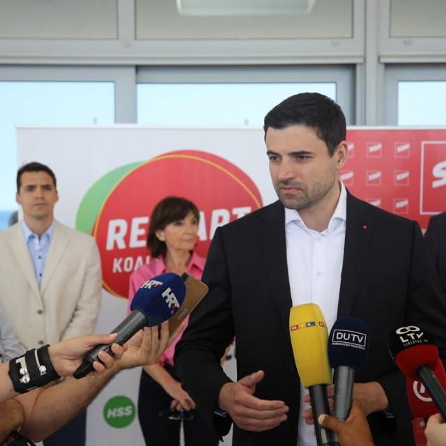 """Davor Bernardić: """"Ova Vlada je prema ljudima koji žive od turizma bila je maćeha"""""""