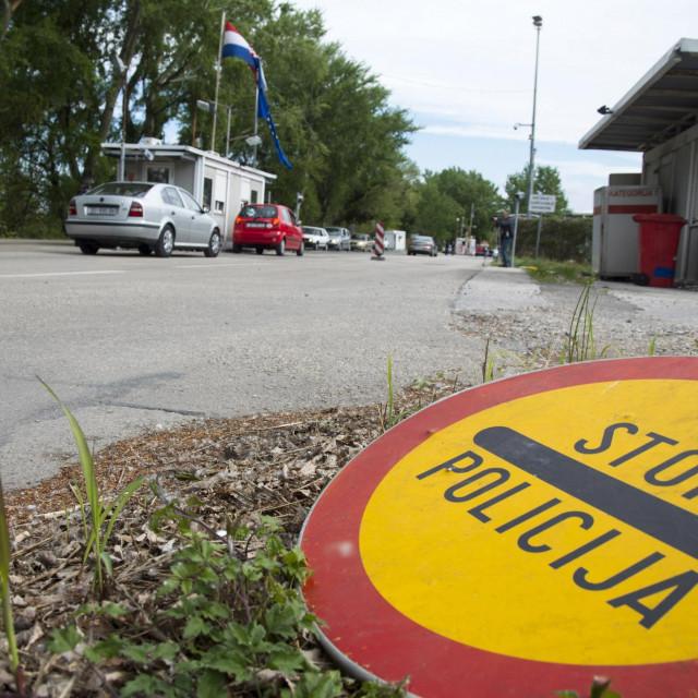 Događalo se da državljani BiH s iskaznicom Republike Hrvatske na ulaznoj kontroli plaćaju kaznu od 200 KM (100 eura)