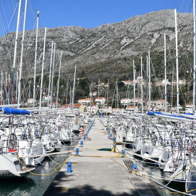 <br /> ACI Marina Miho Pracat - Dubrovnik u Komolcu<br /> <br />