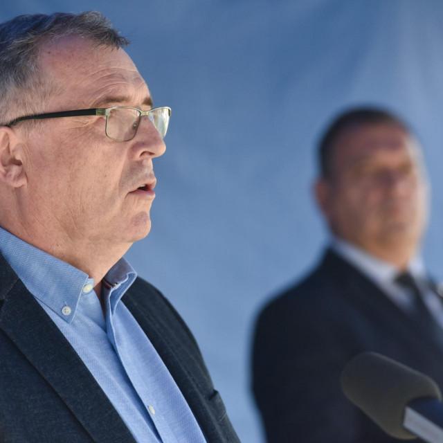 Ravnatelj Hrvatskog zavoda za javno zdravstvo (HZJZ) Krunoslav Capak i ministar zdravstva Vili Beroš<br /> <br />