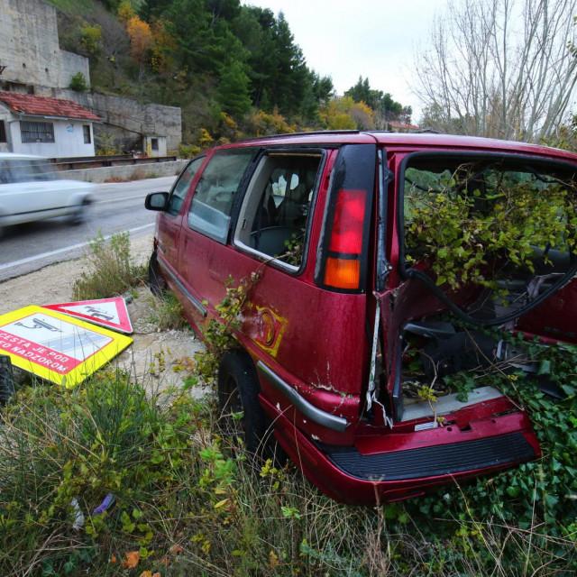 Split, Zrnovnica, 131218.<br /> Napusteni automobil vec duze vrijeme ostavljen uz cestu Stobrec Zrnovnica.<br />