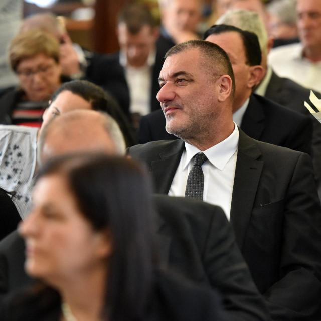 Zadar, 030320<br /> Danas je u velikoj vijecnici Doma zupanije odrzana redovna sjednica zupanijske skupstine na kojoj je za novu predsjednicu skupstine izabrana Nevenka Marinovic.<br /> Na fotografiji: Joso Nekic.<br />