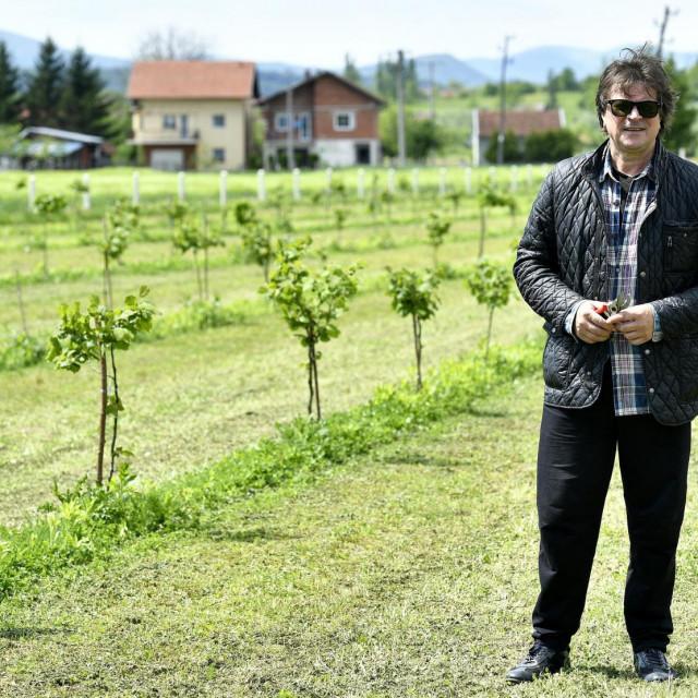 Alen Islamović često boravi u Bihaću 'zbog posla, obitelji, plantaže, prijatelja', a kad 'završi s rock'n'rollom namjerava još i više'