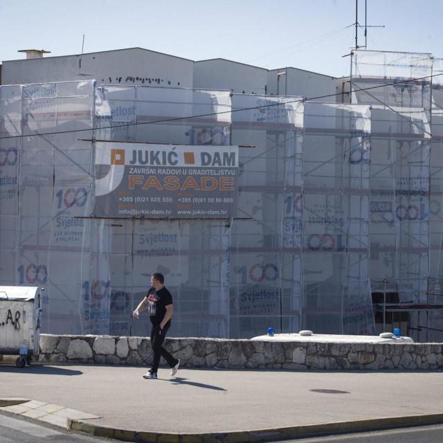 Radovi na fasadi policijske postaje Solin u punom su jeku