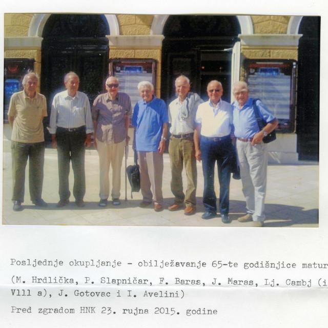 Okupljanje prije pet godina: M. Hrdlička, P. Slapničar, F. Baras, J. Maras, Lj. Cambj (iz VIII. a), J. Gotovac, I. Avelini<br /> foto Privatni album