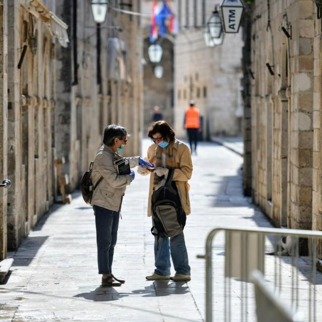 Prvo popuštanje mjera Nacionalnog stožera civilne zaštite, 27. travnja, otvaranje butiga