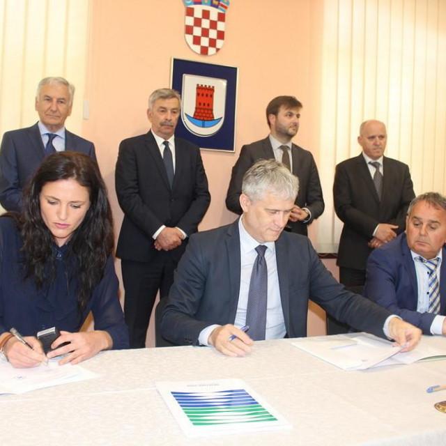 U Opuzenu potpisani ugovori vrijedni 158 milijuna kuna