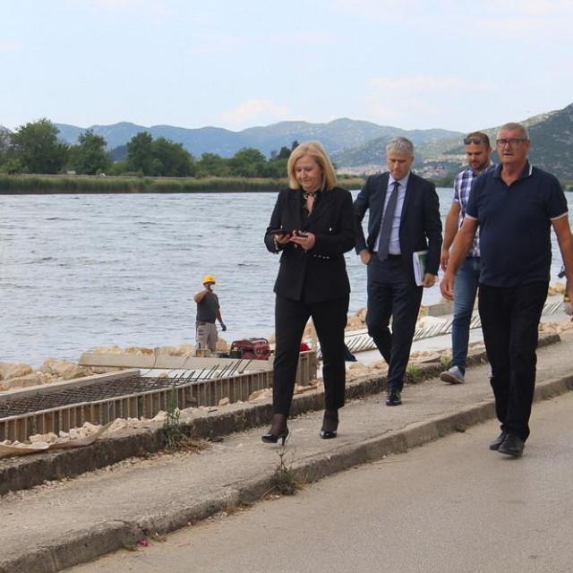 Izgradnja obale u Kninu