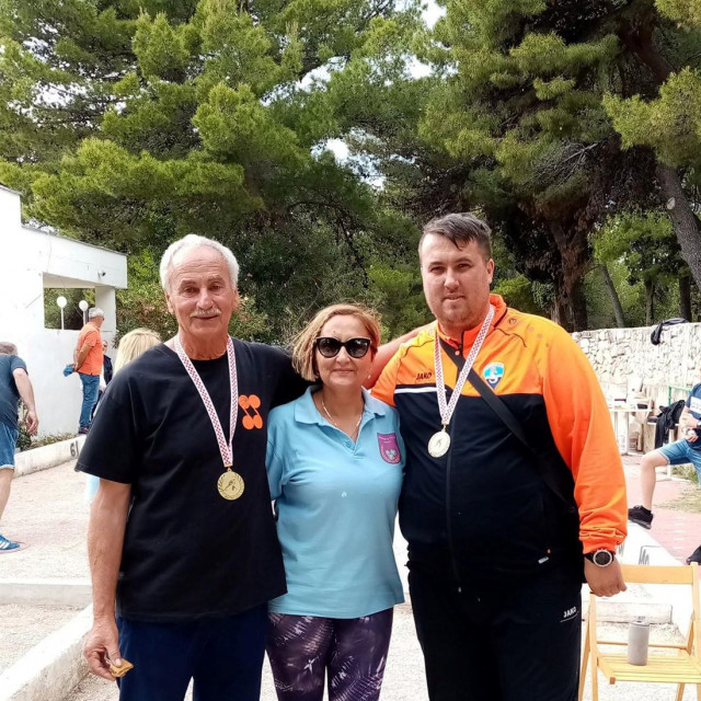 Pobjednici Ante Mrša (lijevo) i Josip Vukšić, Petanque klub Šibenik<br /> <br />