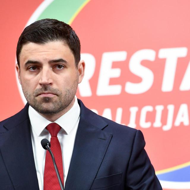 Zagreb, 270520.<br /> Iblerov trg.<br /> Sjediste SDP-a.<br /> Predstavljanje programa Restart koalicije za parlamentarne izbore.<br /> Na fotografiji: Davor Bernardic, predsjednik SDP-a.<br />