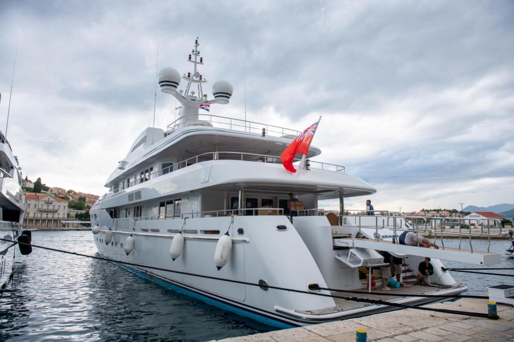 Dubrovnik, 31.05.2020. Jahta Petara u vlasnistvu Bernie Ecclestonea stigla je u Dubrovnik i usidrila se u grusku luku.
