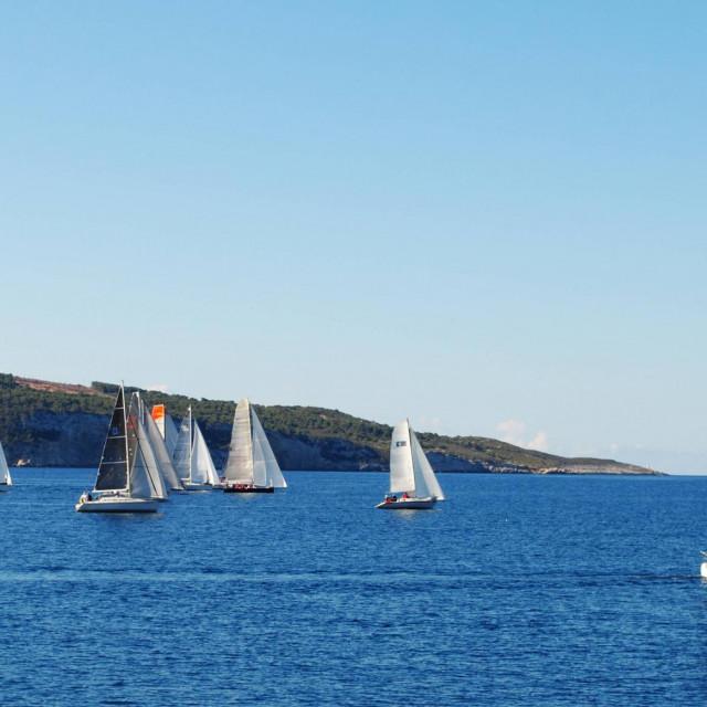 Start Komiža-Split u nedjelju