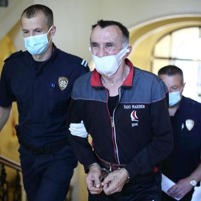 Na Zupanijskom sudu zapocelo je sudjenje Andriji Dreznjaku zbog ubojstva dvoje socijalnih radnika u Đakovu<br />