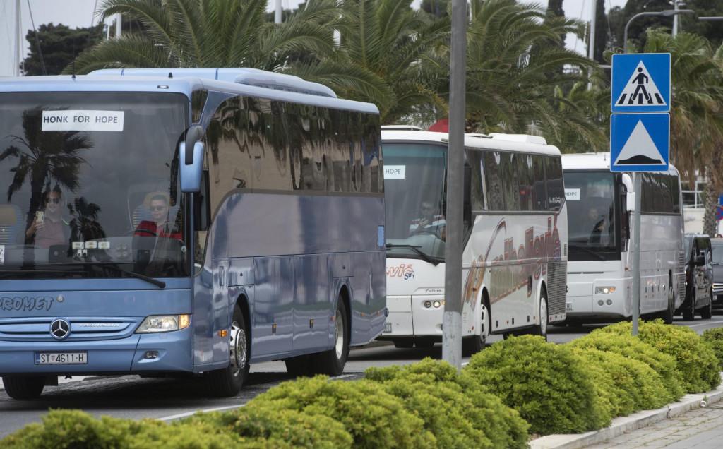 Prijevoznici zbog teške situacije i nedostatka posla svako malo prosvjeduju