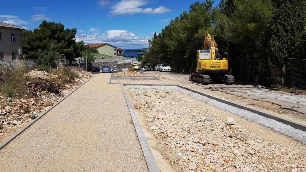 Radovi na izgradnji pristupne ceste za centar Trokut u Mandalini