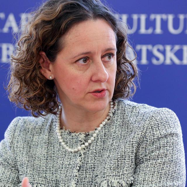 Zagreb, 280520.<br /> Ministarsvo kulture.<br /> Ministrica kulture dr. sc. Nina Obuljen Korzinek predstavila je mjere potpore koje su usvojene za pomoc kulturnom i kreativnom sektoru uslijed epidemije COVID19.<br />
