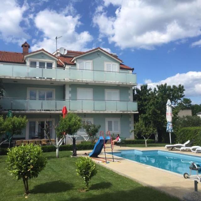 Vila Čatipović - Dicmo