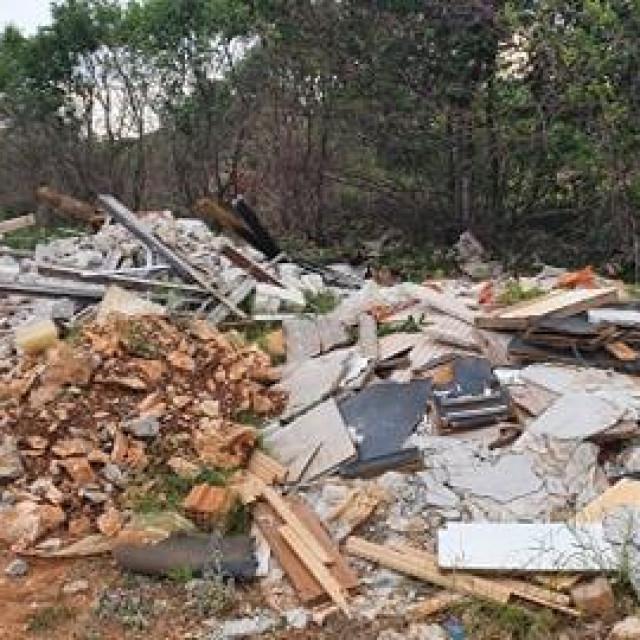Divlji deponiji u Donjoj Murvici