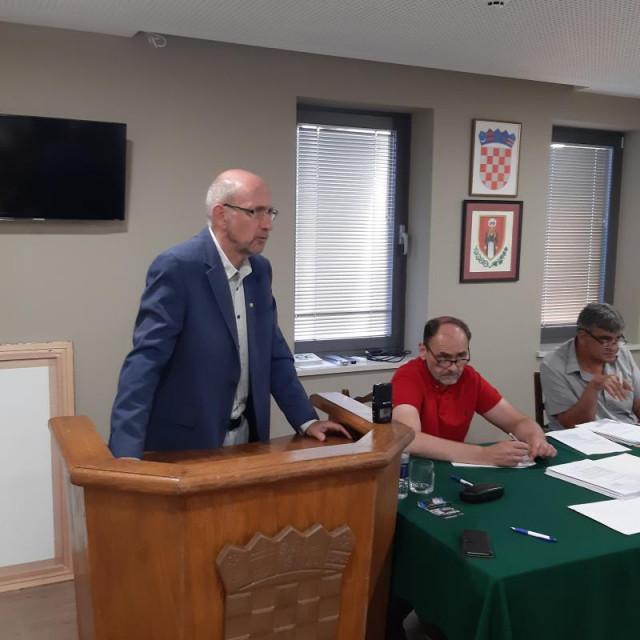Načelnik Božo Lasić odgovarao je na brojna pitanja konavoskih vijećnika