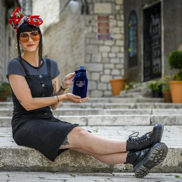 Suzy Rak nakon povratka iz Dublina otvara whiskey bar u centru grada.