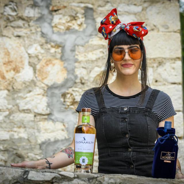Sibenik, 090620.<br /> Suzy Rak nakon povratka iz Dublina otvara whiskey bar u centru grada.<br />