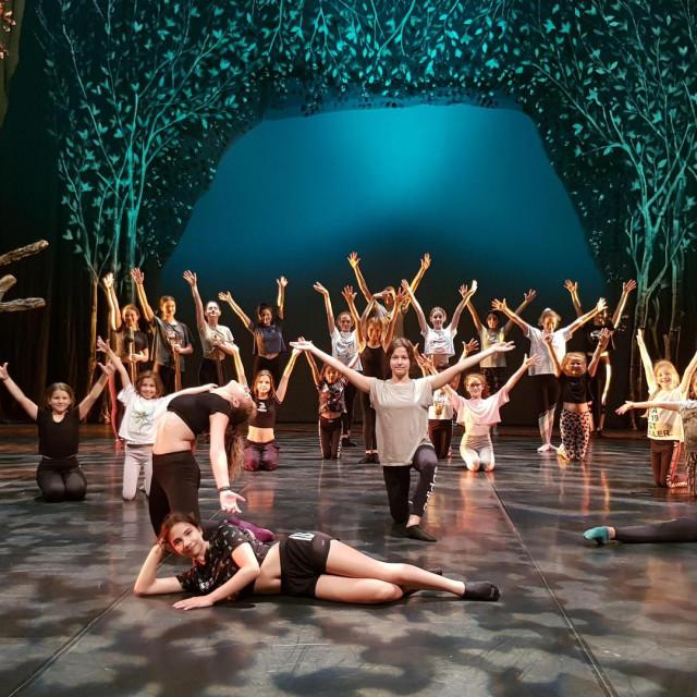 Predstava 'Petar i vuk': 28 mladih plesača iz Moderne grupe Baletnog studija HNK donosi svježu energiju
