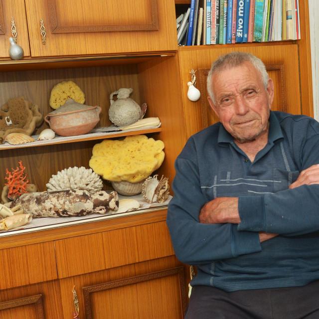 Brodarica, 020620.<br /> Nilola Niko Milutin, umirovljeni krapanjski ronilac.<br />