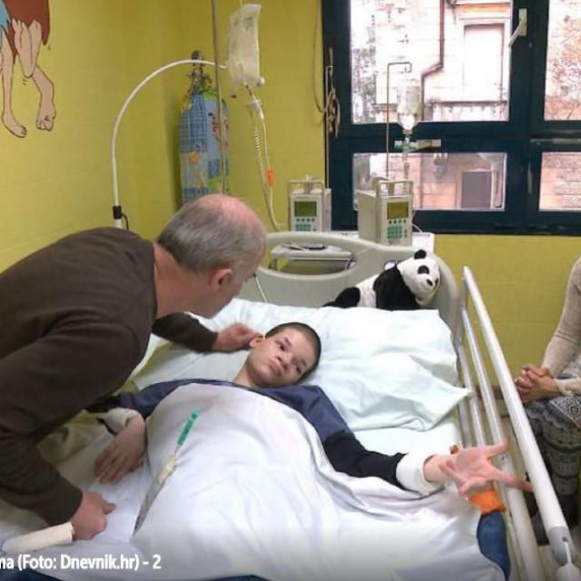 teško bolestan Josip s roditeljima