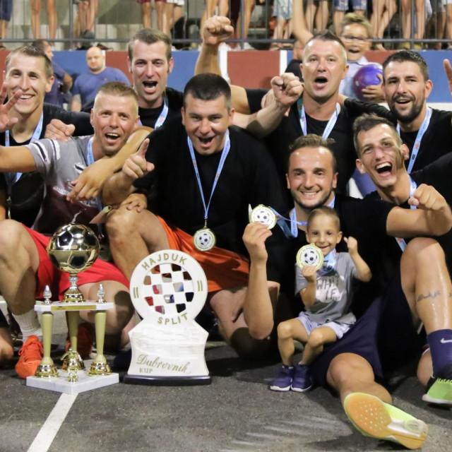 Totalni promašaj - pobjednik osmog izdanja nogometnog turnira na male bare 'Dubrovnik kup'
