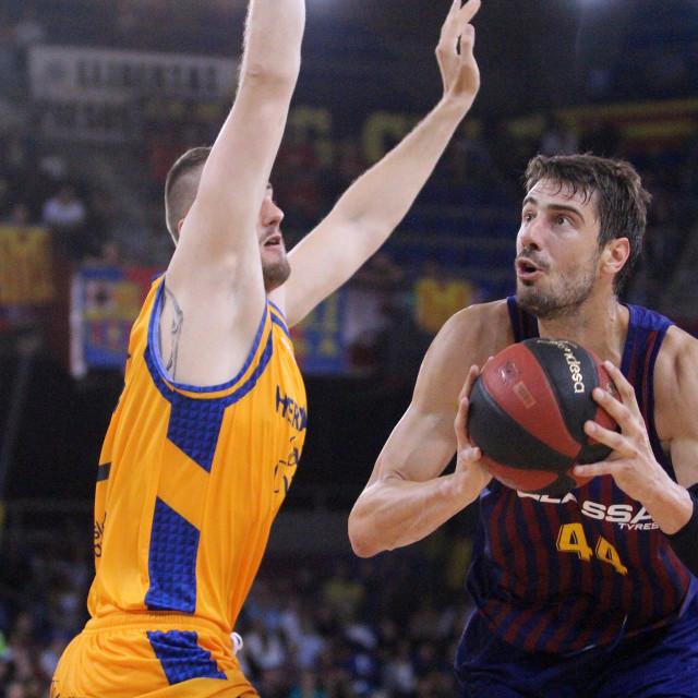 Ante Tomić (Barcelona) protiv Unicaje u Blaugrani foto: Tonči Vlašić