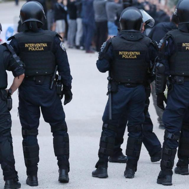 Interventna policija bila je spremna za moguće nerede