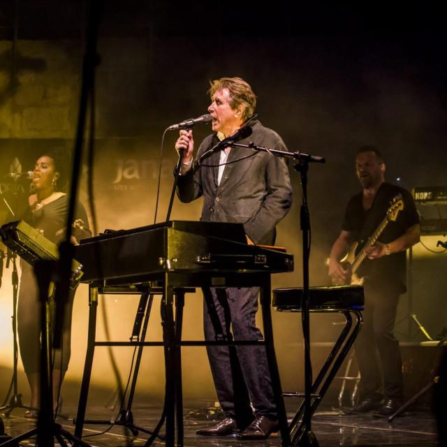 <br /> Legendarni Bryan Ferry odrzao je prije dvije godine koncert na tvrdjavi Sv. Mihovila.<br />