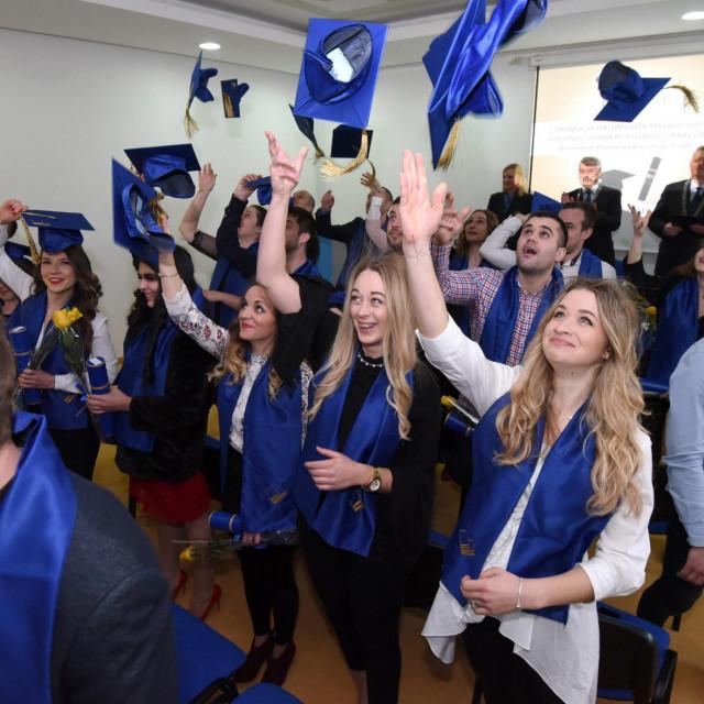 Studenti stučnih studija spuštraju se na nižu kvalifikacijsku razinu<br />