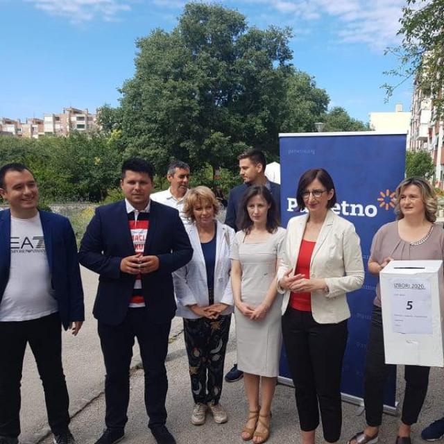 Kandidati koalicije Stranke s imenom i prezimenom, Pametnog i Fokusa za 10. izbornu jedinicu PRIVATNI ALBUM
