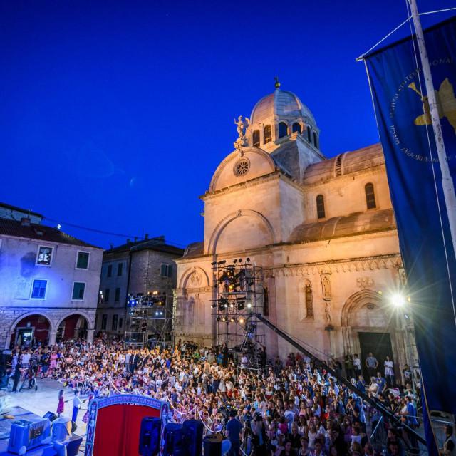 Sibenik, 200620.<br /> Veceras je svano otvoren 60 Mdjunarodni djecji festival, a nazocili su premijer Andrej Plenkovic, ministrica kulture Nina Obuljen Korzinek i ministar Ivan Malenica.<br />